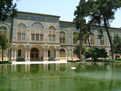 ابهام در بازسازی سینمای کاخ گلستان