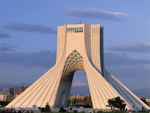 نقش انقلاب اسلامی ۱۳۵۷ در نمادسازی