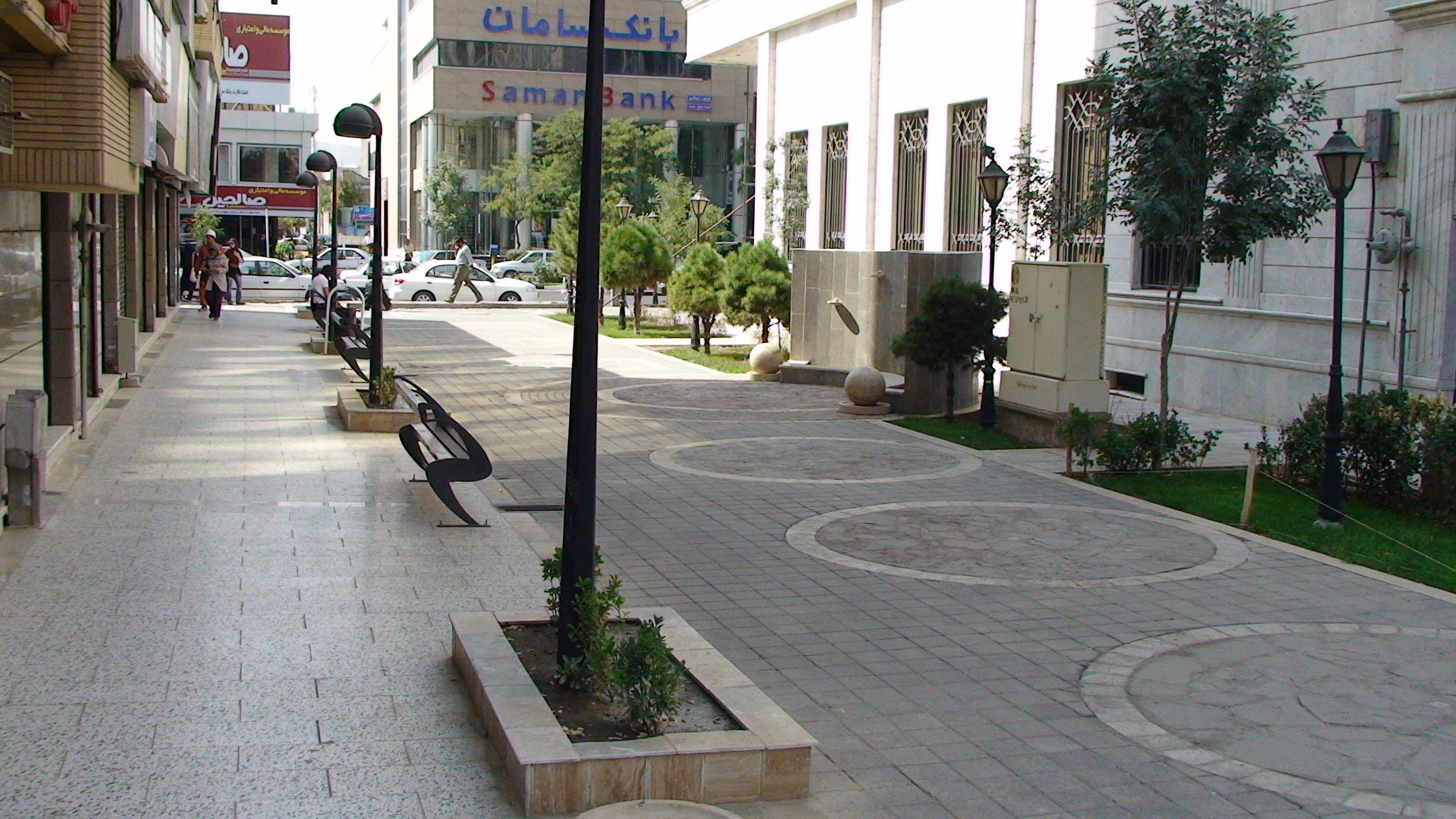 آیا پیادهروها در شهرها ایمنی و امنیت لازم را دارند؟