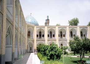 بازشناسی مفاهیم و ویژگیهای توسعه پایدار شهری در منظر شهرهای سنتی ایران۲