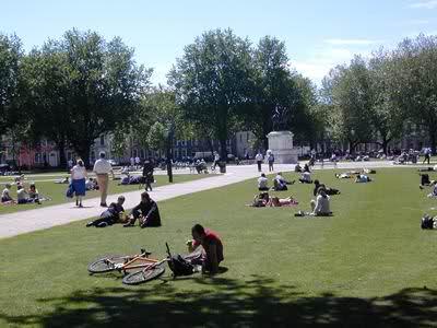 کیفیت فضای باز شهری در تعامل با کودکان